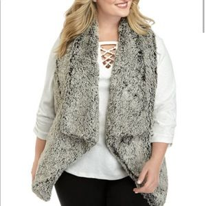 Democracy Plus Size Vest NWT